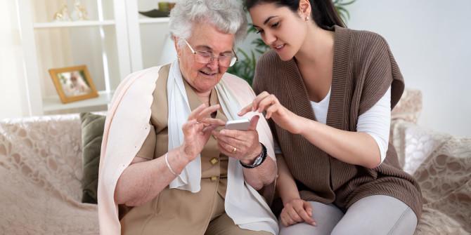 smartphone-grandparents