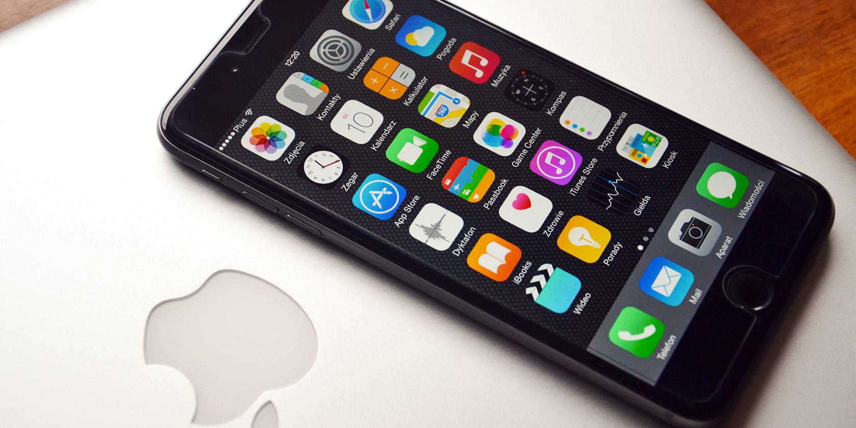 mac-user-iphone