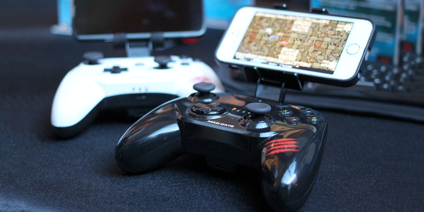 hookup-joystick-iphone