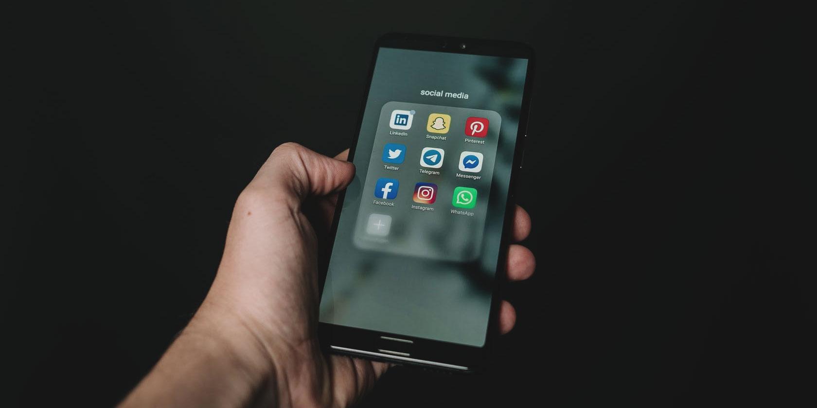 social-media-pros-cons